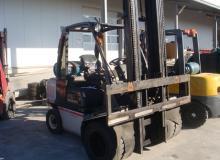 МОТОКАР NISSAN UGD02A32PQ  No: UGD02E702234 /  MAST:2W450 / 3.0t / 2006Y / LPG 3200 кг.
