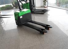 OSAKA WP LPT22-РЪЧНОВОДИМ НИСКОПОВДИГАЧ  2200КГ/600C 2500 кг.